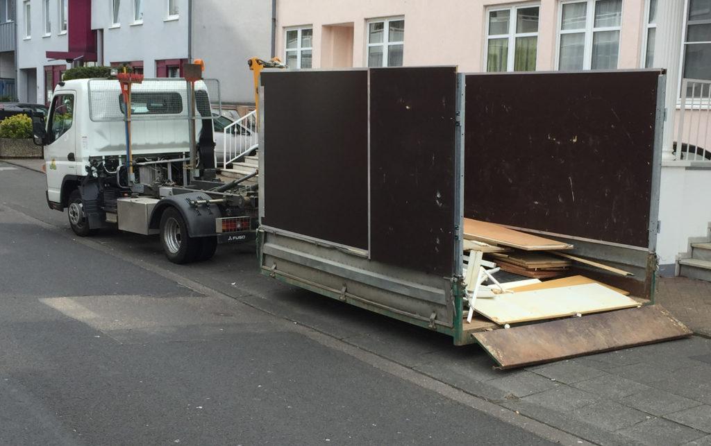 Eigener Containerservice für Entrümpelung