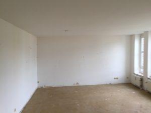leer geräumtes Zimmer nach einer Wohnungsauflösung