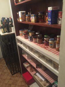 Lebensmittelvorat in einem Haus